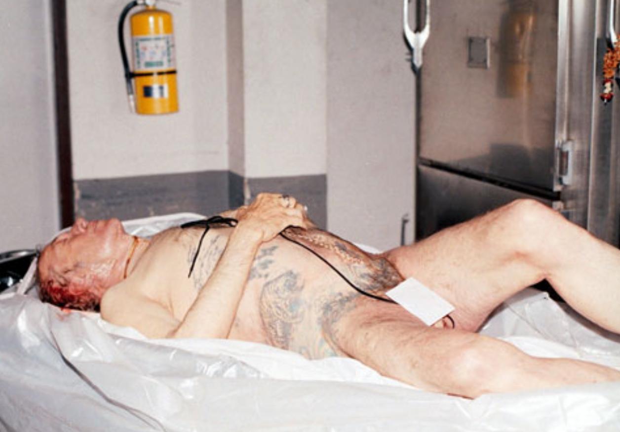 Секс с мёртвым в морге 19 фотография