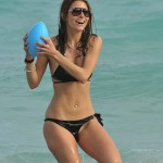 Maria Menounos Gets Playful at the Beach