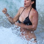 courtney cox breasts